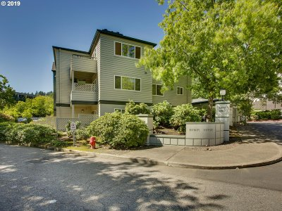 Portland Condo/Townhouse For Sale: 4980 SW Landing Dr #301
