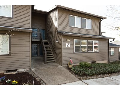 Beaverton Condo/Townhouse For Sale: 9370 SW 146th Ter N #3
