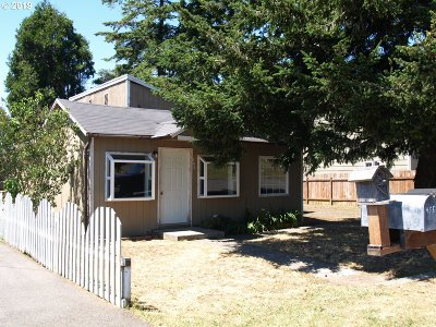Coos Bay Single Family Home For Sale: 440 Dunn St