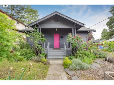 Multnomah County Single Family Home For Sale: 6303 SE 90th Ave