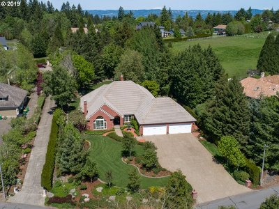 Beaverton Single Family Home For Sale: 19363 SW Suncrest Ln