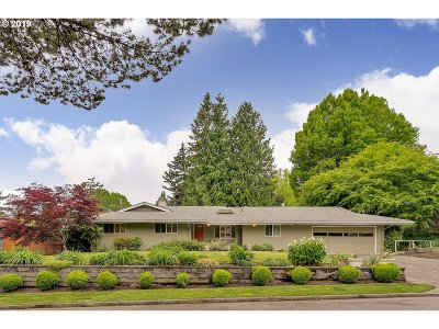 Portland Single Family Home For Sale: 4129 SW 44th Ave