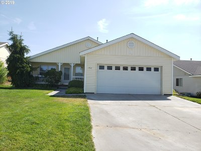 Umatilla County Single Family Home For Sale: 1932 NW Prickly Pear Dr