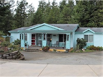 North Bend Single Family Home For Sale: 2134 Lynne Dr