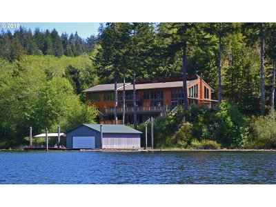 North Bend Single Family Home For Sale: 71112 Majestic Shores Rd