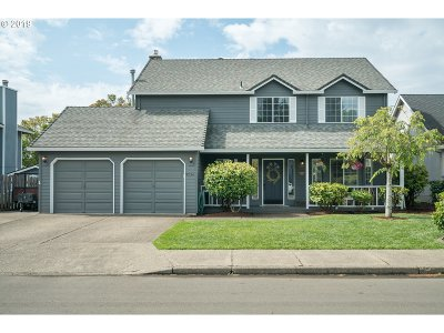 Tigard Single Family Home For Sale: 9724 SW Oaks Ln