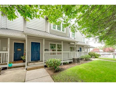Gresham Condo/Townhouse For Sale: 373 NE Kelly Ave