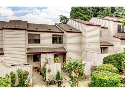 Tigard Single Family Home For Sale: 10631 SW Canterbury Ln