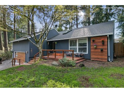 Beaverton Single Family Home For Sale: 14740 SW Forest Dr