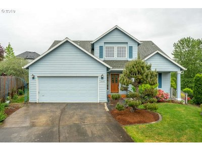 Troutdale Single Family Home For Sale: 2040 SW Sunrise Cir