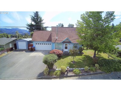 Myrtle Creek Single Family Home For Sale: 810 NE Holly St