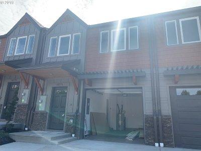 Sandy Single Family Home For Sale: 16771 Chula Vista Ave