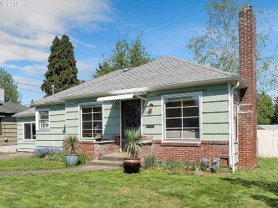 Single Family Home For Sale: 6403 NE Roselawn St