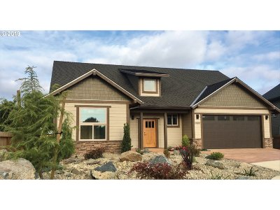 Bandon Single Family Home For Sale: 2922 Ruby Ct