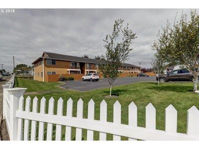 Seaside Condo/Townhouse For Sale: 320 Necanicum Drive #2