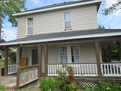 Coquille Single Family Home For Sale: 494 N Adams St