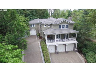 West Linn Single Family Home For Sale: 2811 Beacon Hill Dr