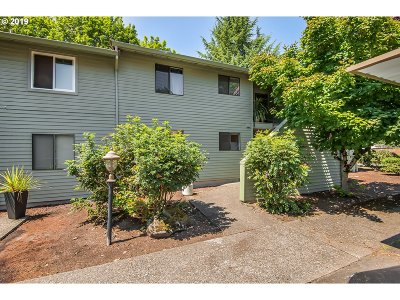 Beaverton Condo/Townhouse For Sale: 5160 SW 180th Ave #3