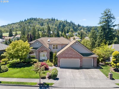 Multnomah County Single Family Home For Sale: 2799 SE Myrtlewood Way
