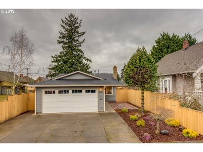 Portland Single Family Home For Sale: 3621 SE 69th Ave