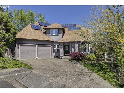 Beaverton Single Family Home For Sale: 8252 SW 182nd Pl