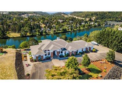 Roseburg OR Single Family Home For Sale: $850,000