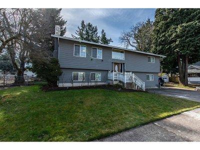 Multnomah County Single Family Home For Sale: 10304 NE Tillamook St