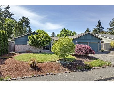 Beaverton Single Family Home For Sale: 1075 NW 180th Ave