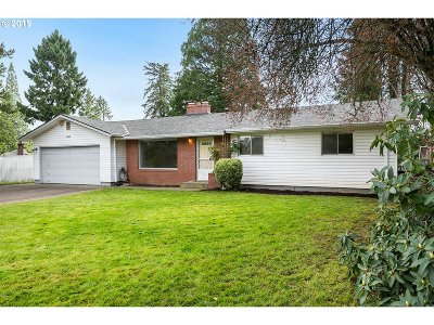 Tualatin Single Family Home For Sale: 20100 SW Boones Ferry Rd