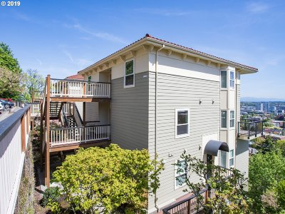 Portland Condo/Townhouse For Sale: 410 NW Uptown Ter #3 B