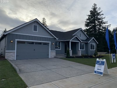 Oregon City Single Family Home For Sale: 16435 Kitty Hawk Ave #Lot5