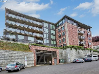 Portland Condo/Townhouse For Sale: 2454 NW Westover Rd #A-103