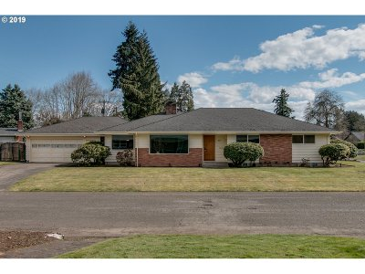 Eugene Single Family Home For Sale: 495 Shire Ct