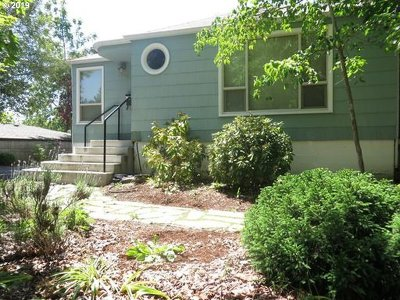 Single Family Home For Sale: 2338 Harris St