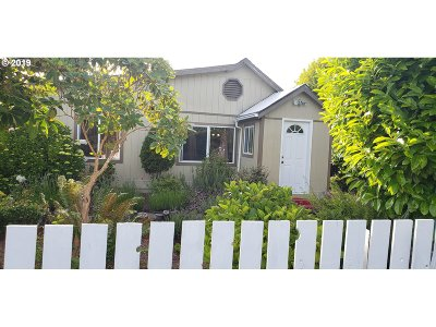 Coos Bay Single Family Home For Sale: 292 N Wall