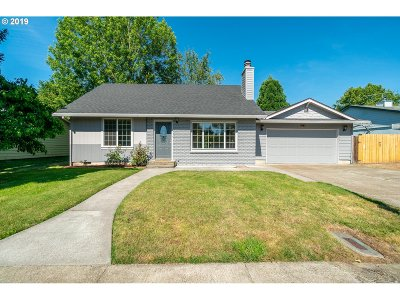 Mcminnville Single Family Home For Sale: 2625 NE Hembree St