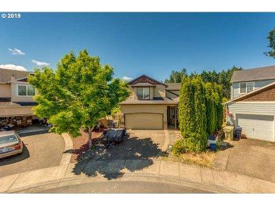 Beaverton Single Family Home For Sale: 73 SW Horton Way
