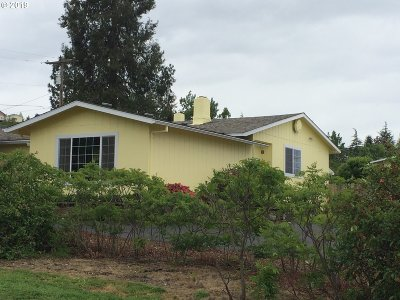 Roseburg Single Family Home For Sale: 209 Dodson View Rd