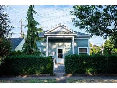 Salem Single Family Home For Sale: 2210 Church St