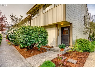 Newberg Condo/Townhouse For Sale: 1100 N Meridian St #43