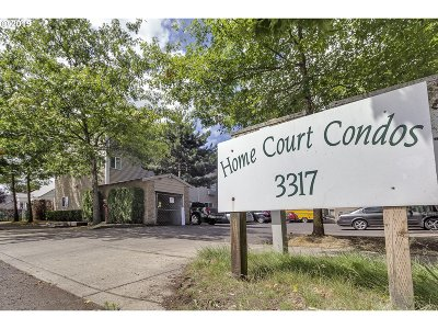 Condo/Townhouse For Sale: 3317 SE 122nd Ave #8