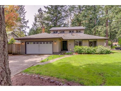 Lake Oswego Single Family Home For Sale: 19061 Indian Springs Rd