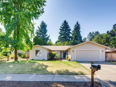 Tualatin Single Family Home For Sale: 20567 SW Elk Horn Ct