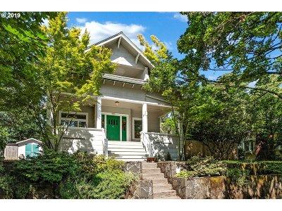 Portland Single Family Home For Sale: 3401 SE 8th Ave SE