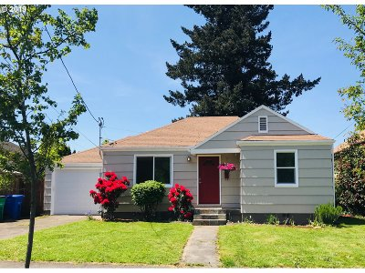 Portland Single Family Home For Sale: 1215 NE 78th Ave
