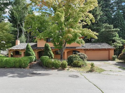 Lake Oswego Single Family Home For Sale: 44 Touchstone