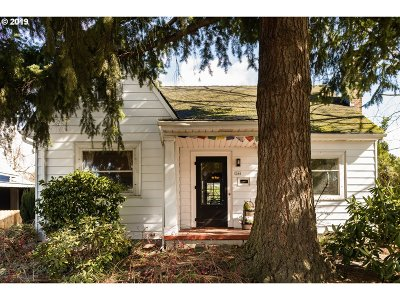 Portland Single Family Home For Sale: 244 SE 78th Ave