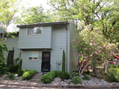 Eugene Single Family Home For Sale: 4433 Fox Hollow Rd #1