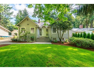 Lake Oswego Single Family Home For Sale: 16722 Lake Forest Blvd