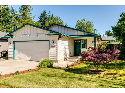 Single Family Home For Sale: 25083 Cottage Ct